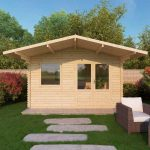 apex cabin with overhang